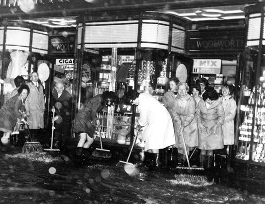 Battling the elements required all available hands at Teignmouth Woolworth's (No. 466) in the 1960s