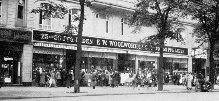The first F. W. Woolworth Co GmbH store to open in the German capital of Berlin. The Mullerstrasse branch featured extensively in the parent company's fiftieth birthday celebrations in the USA in 1929